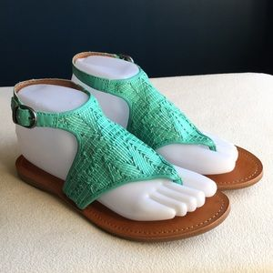 Lucky Brand turquoise flat sandals sz 7.5.